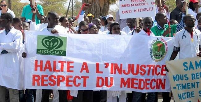 Les  travailleurs de la Santé accentuent la pression sur le Gouvernement