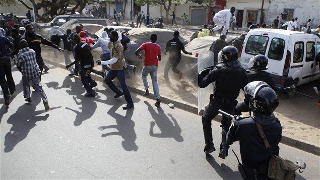 Ziguinchor : véhicule « AD » brûlé, la police annonce 25 interpellations