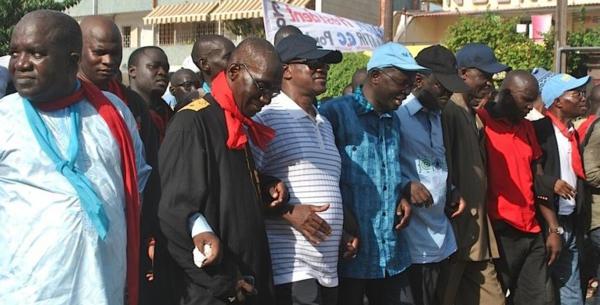 BLOCAGE DU GROUPE PARLEMENTAIRE DE L'OPPOSITION Les libéraux engagent les fédérations à intensifier la lutte