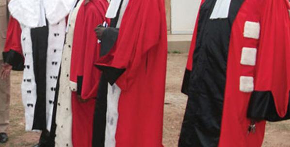Pour avoir défendu la candidature de Karim WADE, le juge Yaya Amadou DIA convoqué