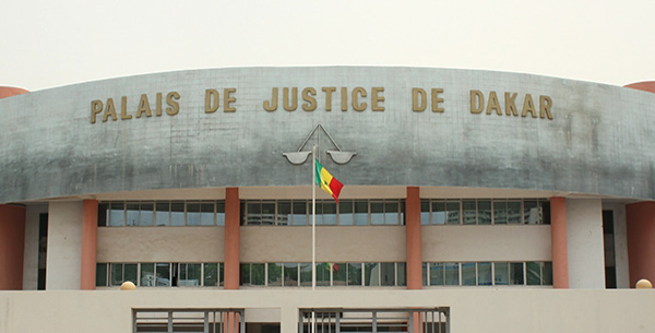 Justice couchée : La démocratie sénégalaise bascule du côté obscur (Par Seybani SOUGOU)