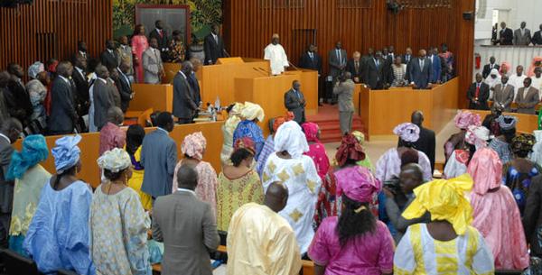 LES DEPUTES VOTENT DES BUDGETS SANS DEBATS : Service minimum à l'Assemblée nationale