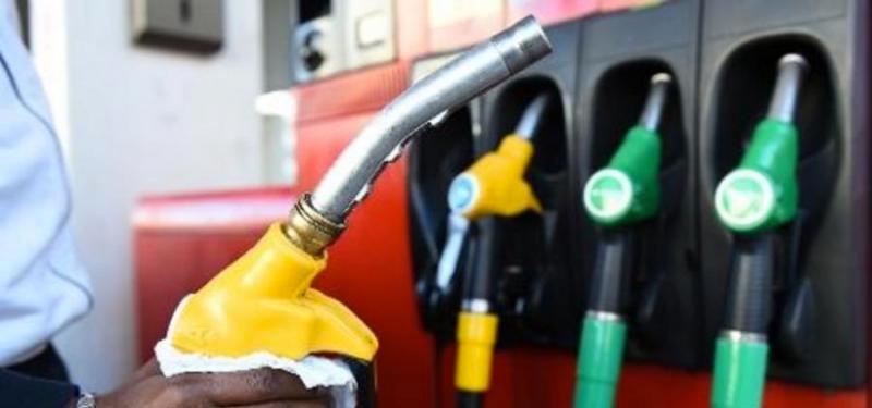 Les prix de l'essence et du gasoil vont connaître une baisse