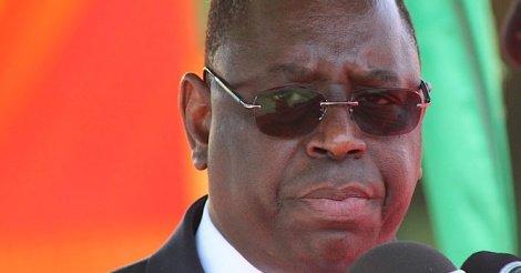 PARADOXE : Dakar grogne, Macky en sapeur à Bujumbura