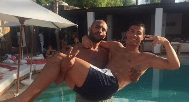 Cristiano Ronaldo gay et en couple avec un Marocain ? De nouvelles révélations créent le buzz !