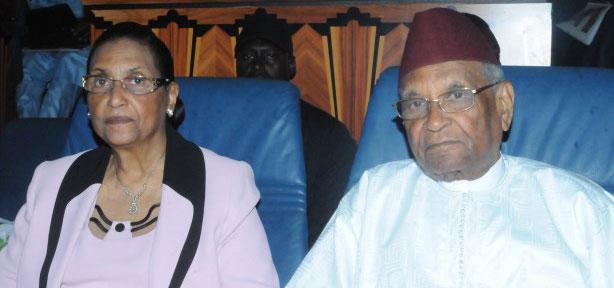 Double nationalité de Amadou Mokhtar Mbow et son épouse : Le couple dément