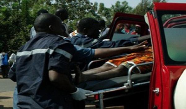 Drame à Petit Mbao : Un pneu d'un camion explose et tue un père et son fils sur le coup