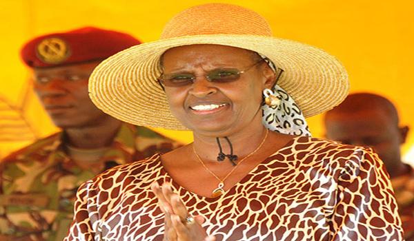 Ouganda : Museveni nomme son épouse ministre
