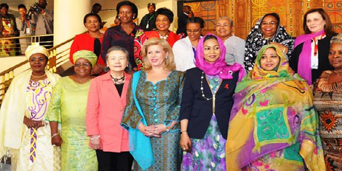 Dans l'univers des Premières dames d'Afrique : Des femmes au foyer aux intellectuelles