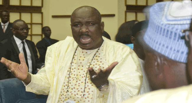 Farba NGOM dément Aliou SALL : «Macky SALL n'est influencé par qui que ce soit… »