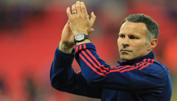 Man. United : Mourinho  arrive, Giggs s'en va