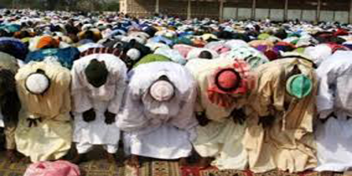 Korité à Kaolack : L'imam ratib dénonce les grâces présidentielles sélectives (Regardez)