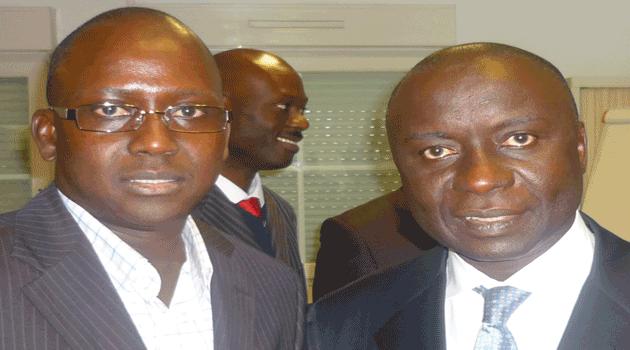 Protocole de Rebeuss : Rewmi de France exige la comparution de Macky SALL et WADE