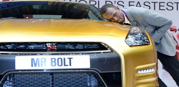 Bolt arrête déjà le foot et retrouve ses bagnoles