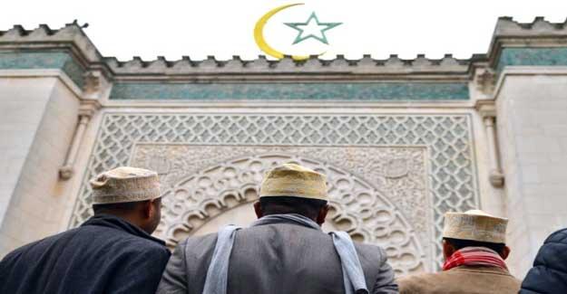 Arrestation en France de dix militants d'ultra-droite soupçonnés de projet d'attentat contre des mosquées