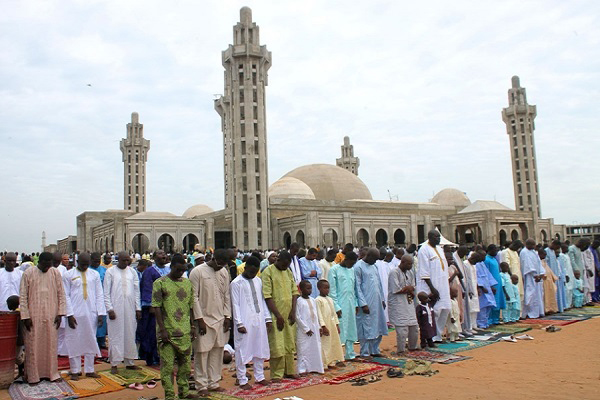 Finition de la mosquée Massalikoul Jinaan : des Mbacké Mbacké s'accusent
