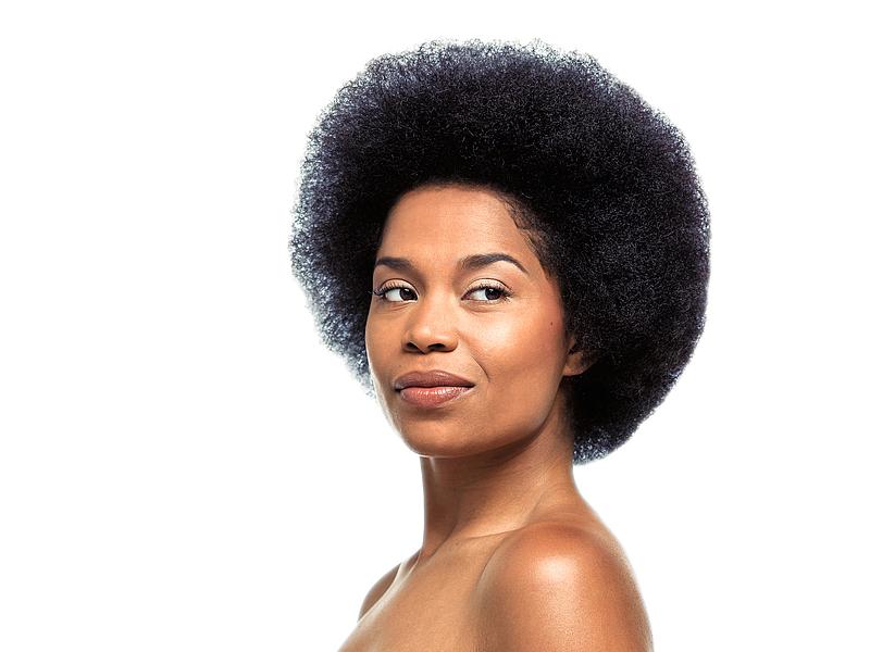 Le cheveu naturel fait sa révolution et renaît en Afrique