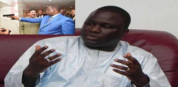 Déthié FALL à Macky : «Un chef d'Etat arme à la main renvoie à l'image de 'Djimbori'»