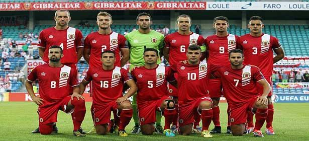 Des étudiants, un électricien, un agent de sécurité, un pompier, un pêcheur, un caporal dans l'armée : Gibraltar, une sacrée sélection de foot