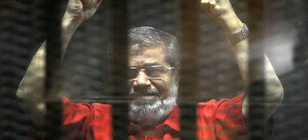 Égypte : l'ancien président Mohamed Morsi meurt en pleine audience au tribunal