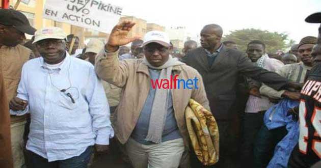 Avec le régime de Macky : Karim se fait faire un passeport diplomatique en prison, celui d'Abdoul MBAYE confisqué
