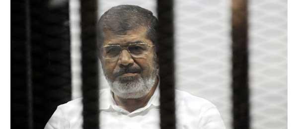 Egypte: sitôt mort au tribunal, l'ex-président Morsi enterré au Caire