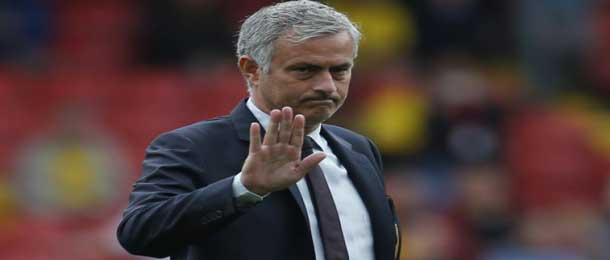 Manchester United :  Mourinho viré  (officiel)