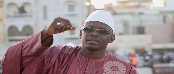 Moustapha DIOP dote Louga d'une enseigne lumineuse à 12 millions