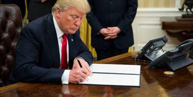 Trump limoge son chef de la diplomatie et le remplace par le patron de la CIA
