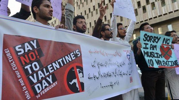 Ces pays où fêter la Saint-Valentin est interdite