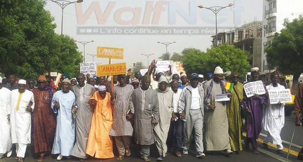 Marche : les travailleurs affiliés à la  CNTS chauffent la rue
