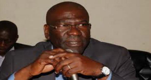 Pikine: Le maire de Mbao crache sur le billet pour La Mecque et déclare la guerre à l'oncle de Macky