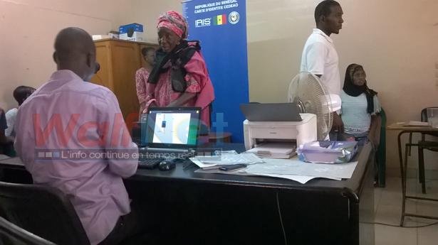 (REPORTAGE) Inscriptions sur les listes électorales à Grand Yoff : des centaines de citoyens laissées en rade