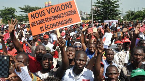 Mali : des milliers de manifestants contre le référendum