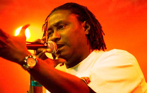 Expulsion de Kémi Séba : DJ Awadi se dit surpris et «invite le gouvernement à se ressaisir »