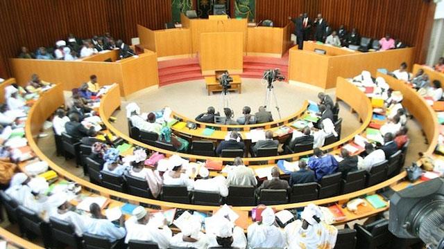 Révision constitutionnelle : les députés passent à l'acte samedi 4 mai