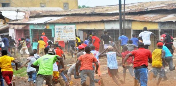 Guinée : La police empêche deux marches contre la hausse du prix du carburant