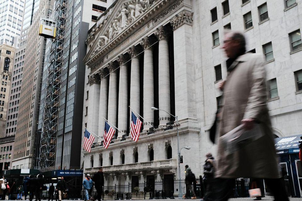 Les bourses mondiales voient rouge, l'inquiétude monte