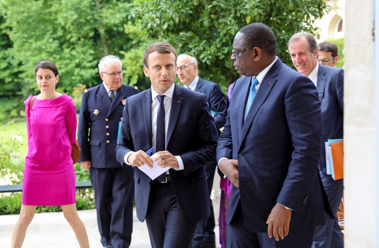 Lutte contre l'érosion côtière : Macron promet une aide, Amadou BA contracte une dette