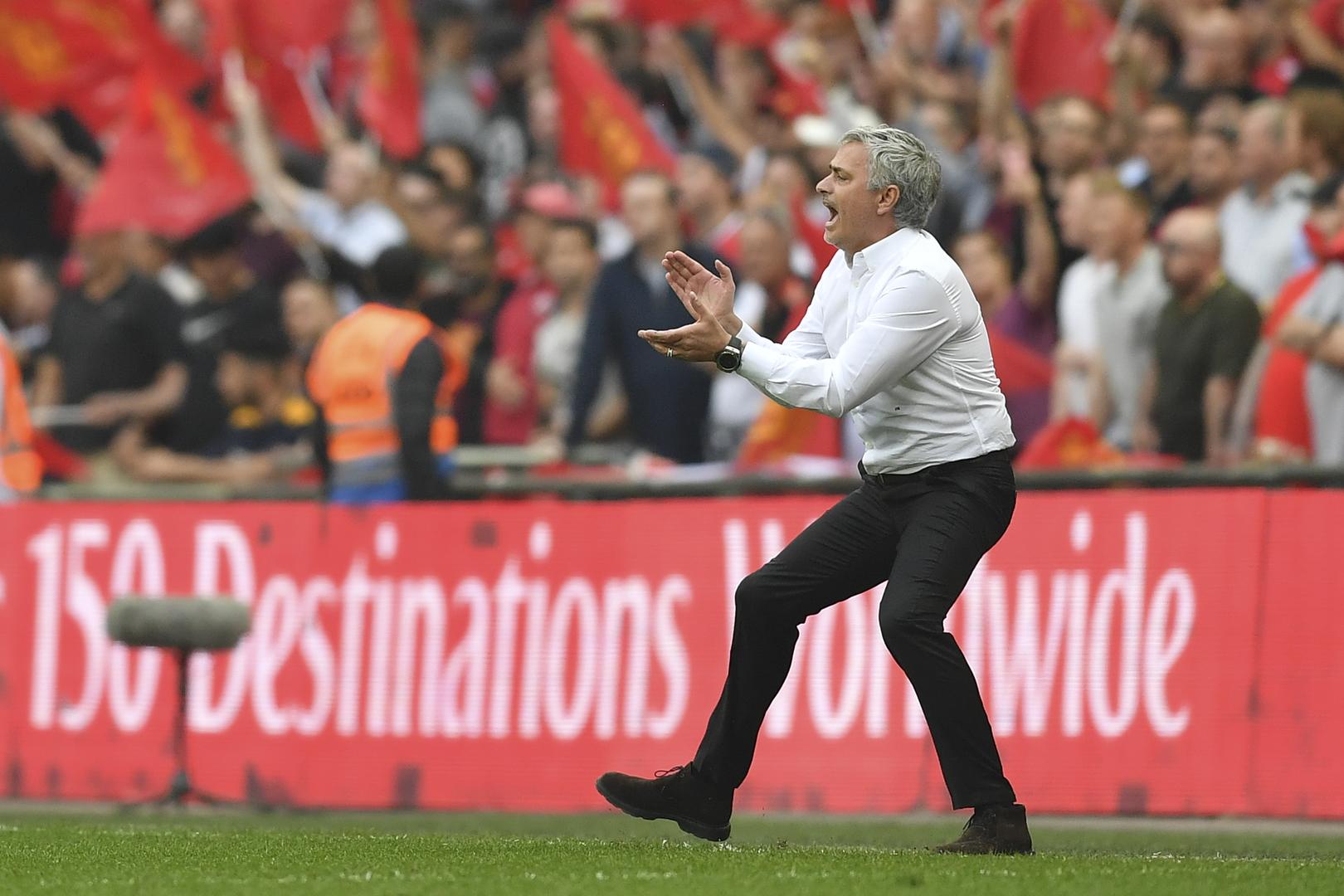 Manchester United : pour Cantona, Mourinho n'a rien à faire chez les Red Devils