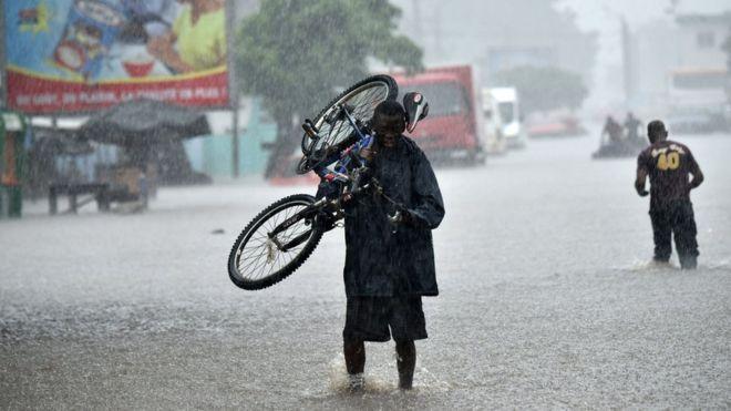 La pluie fait une quinzaine de morts à Abidjan