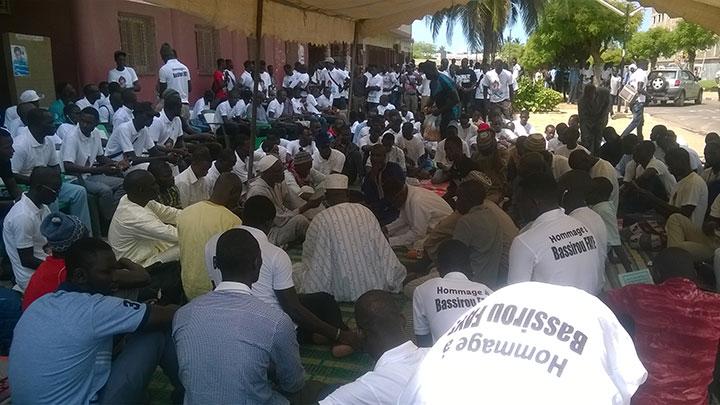 An 5 : les étudiants rendent hommage à Bassirou FAYE et exigent la lumière sur la mort de Fallou SENE