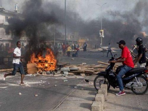 Bénin : les opposants dans les rues, l'armée au domicile de l'ex-président Yayi