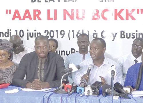 Aar Li Nu Bokk» et «Noo Lank» tiendront « Macky SALL pour responsable de tout ce qui arrivera à Abdou Karim GUEYE»