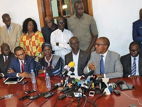 Report des locales: L'opposition se rebiffe et dit niet