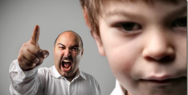 Les enfants de parents trop autoritaires auraient plus de problèmes psychologiques à l'âge adulte