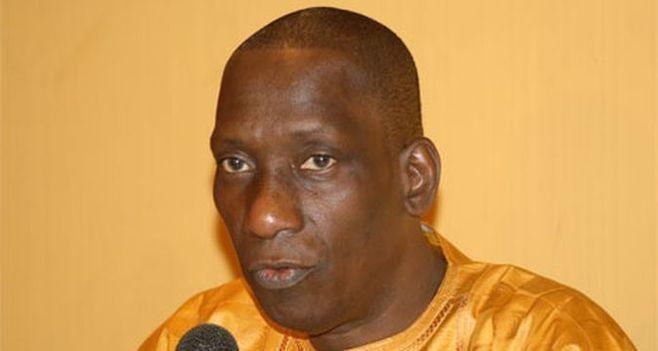 SLOGAN UBI TEY JANG TEY «Fallacieux et politicien», selon Decroix