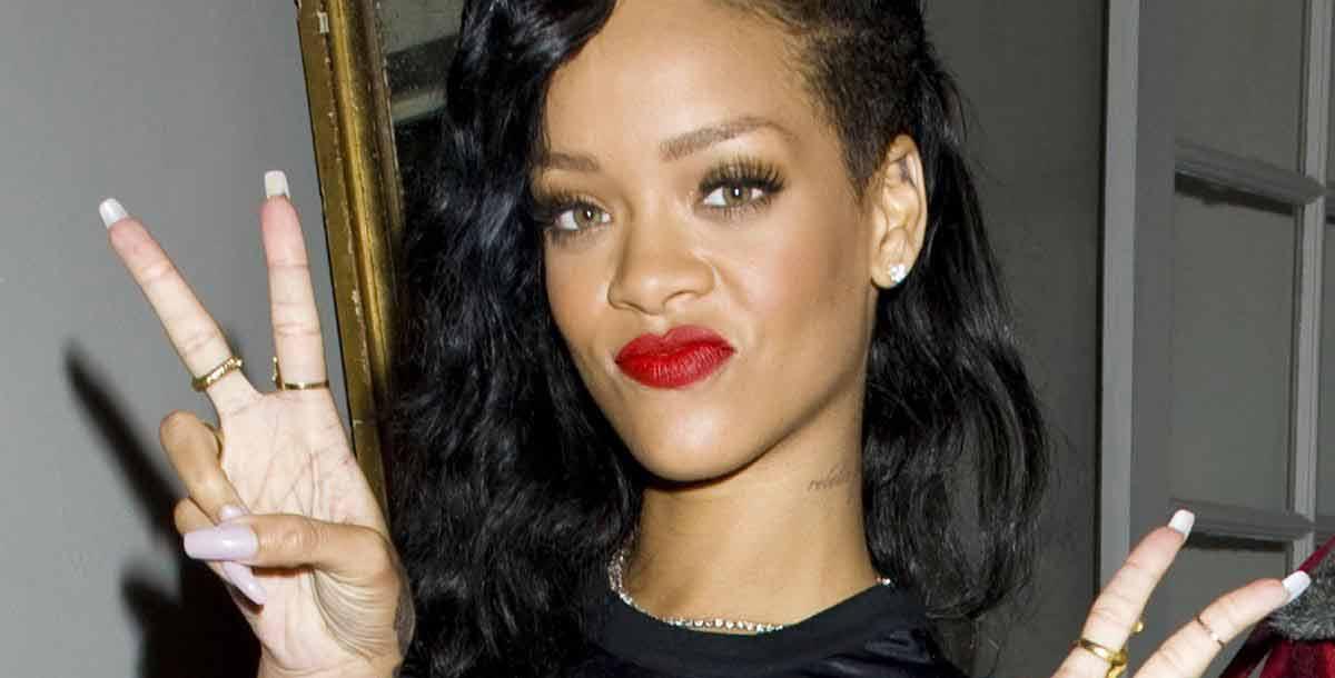 Rihanna tourne la page et se lie à Travis Scott Rihanna et Travis Scott : «Ils sont en couple !»