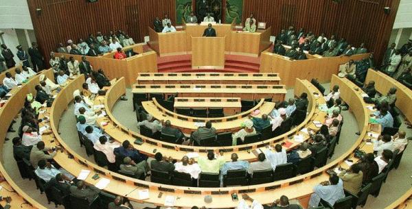 OUVERTURE SESSION UNIQUE DE L'ASSEMBLEE Echanges houleux entre les députés