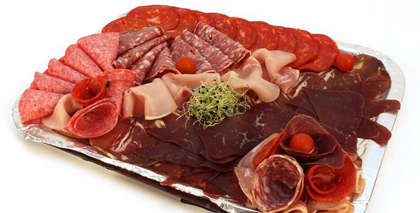 La charcuterie est cancérogène, la viande rouge le serait aussi «probablement» selon l'OMS